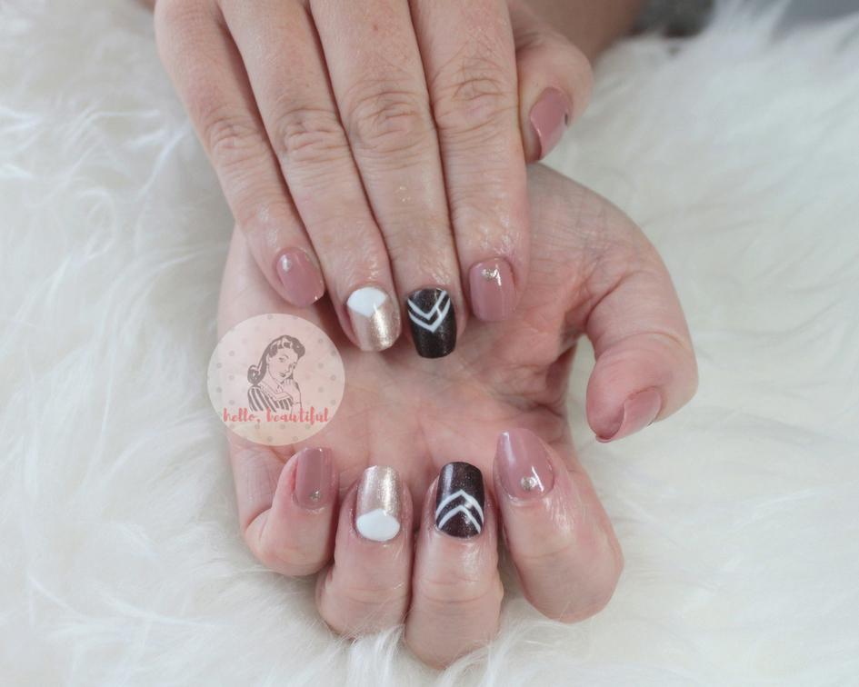 chevron-manicure
