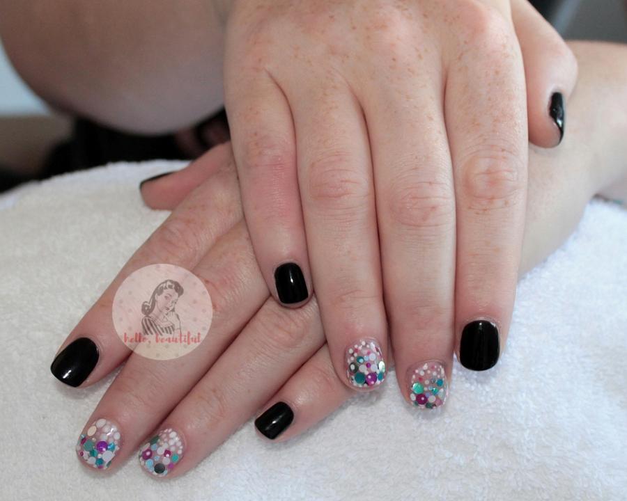 confetti accent black manicure 2018