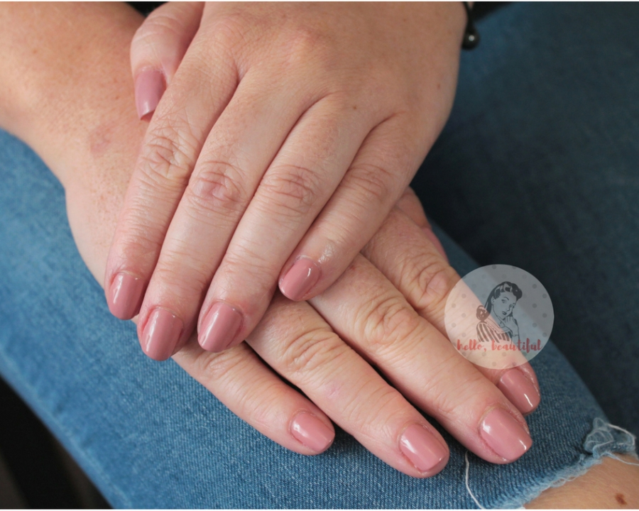 nude-manicure-july