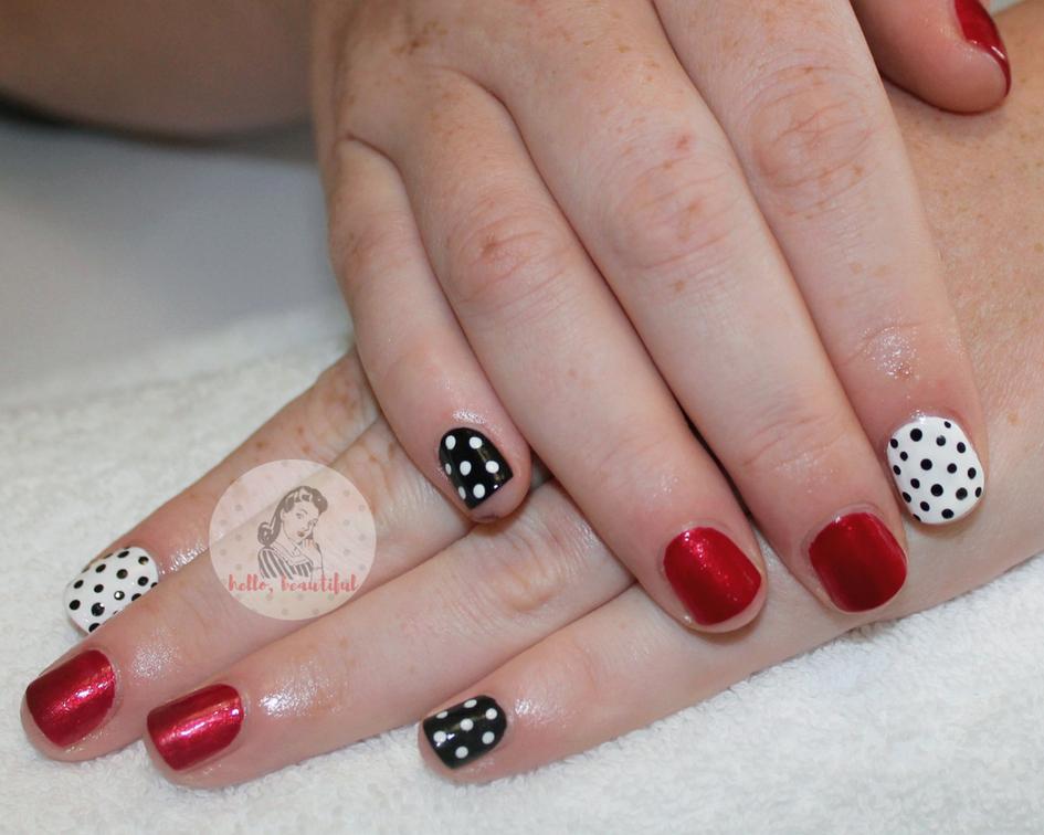 polkadot vintage manicure