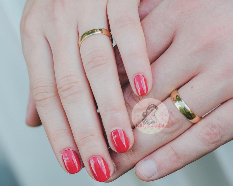 red-bride-manicure