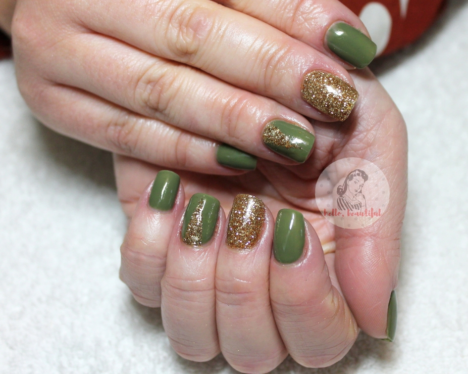 green gold manicure