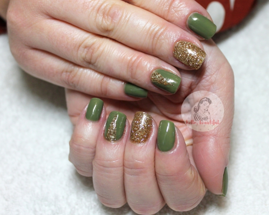 green gold manicure