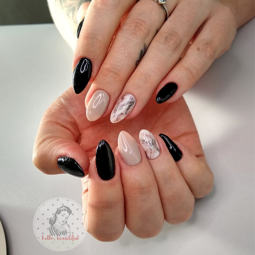 black marble nails pose
